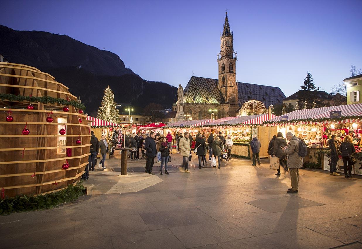 Mercatini Di Natale Bolzano Piazza Walther.Situazione Traffico A Bolzano Durante I Mercatini Di Natale