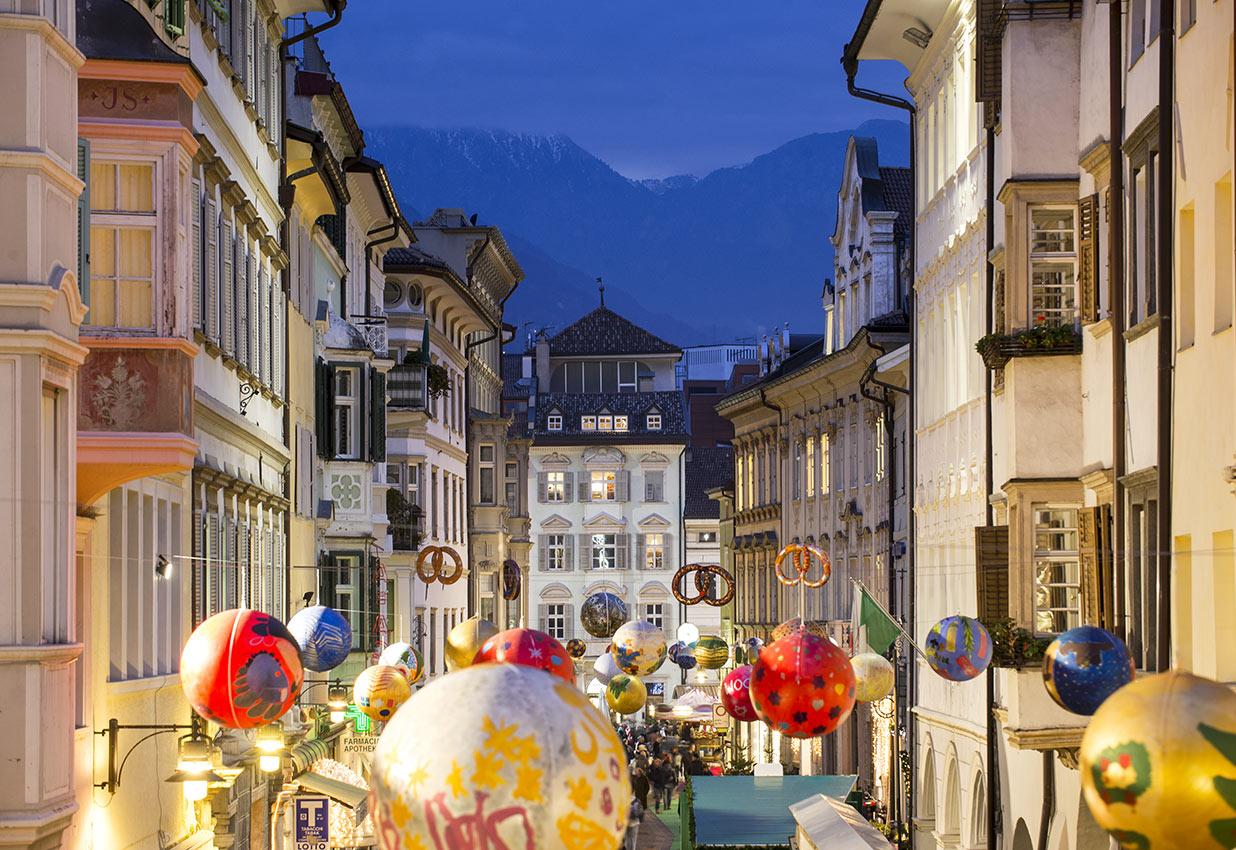 Universo bimbo la culla bolzano orari italian guide